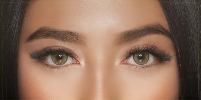close up of professional eyelash model