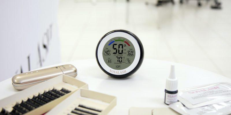 NovaLash hygrometer